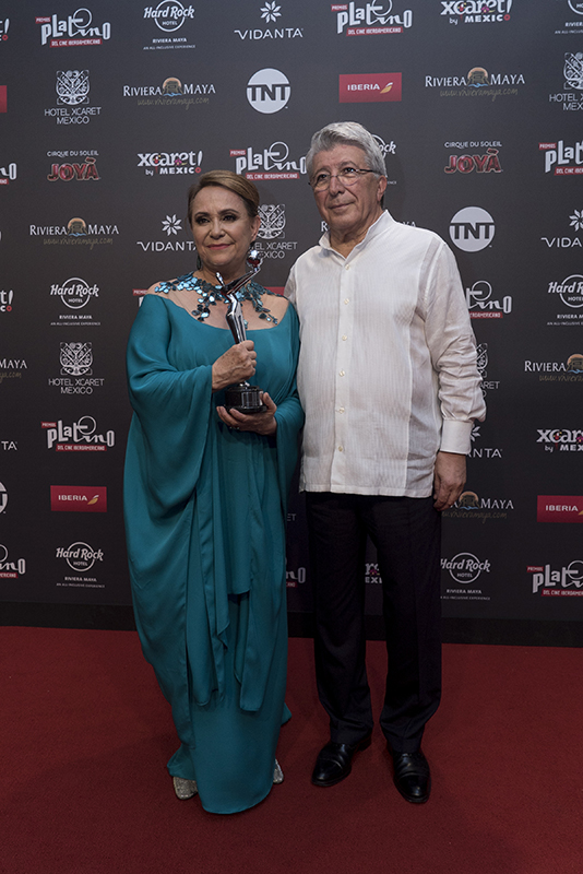 Adriana Barraza - Premios Platino - Mexico Destination Club