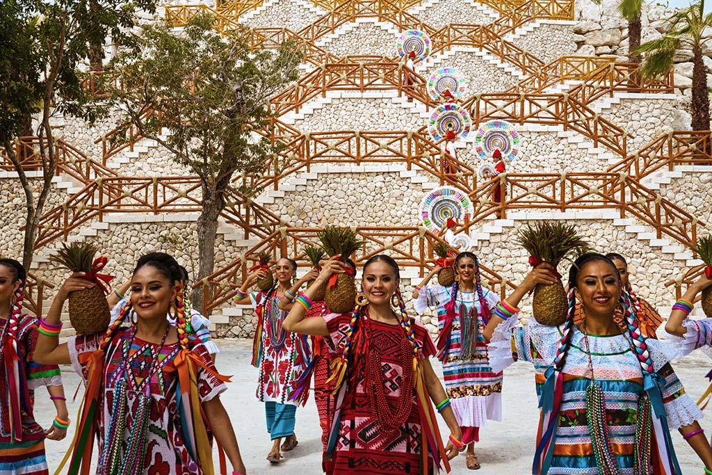 Artesanias en el Hotel Xcaret   Mexico Destination Club